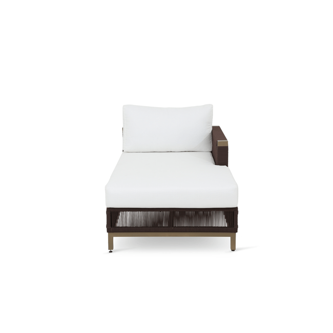 CHAISE-LIZZANO.png-